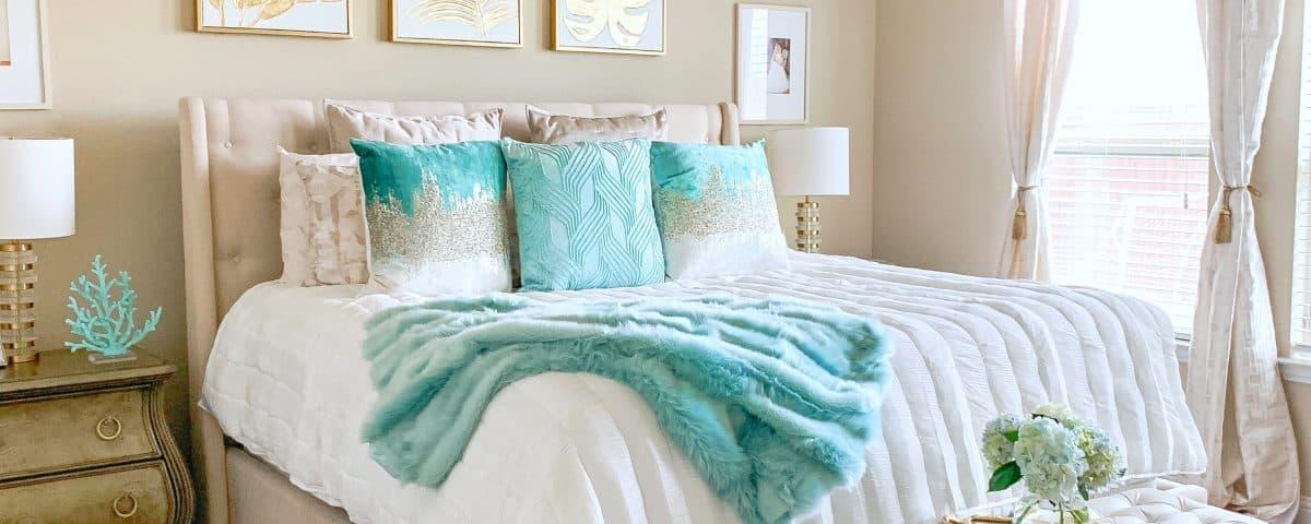 Coastal Glam Bedroom Ideas   Home Decor   Glamorous Versatility