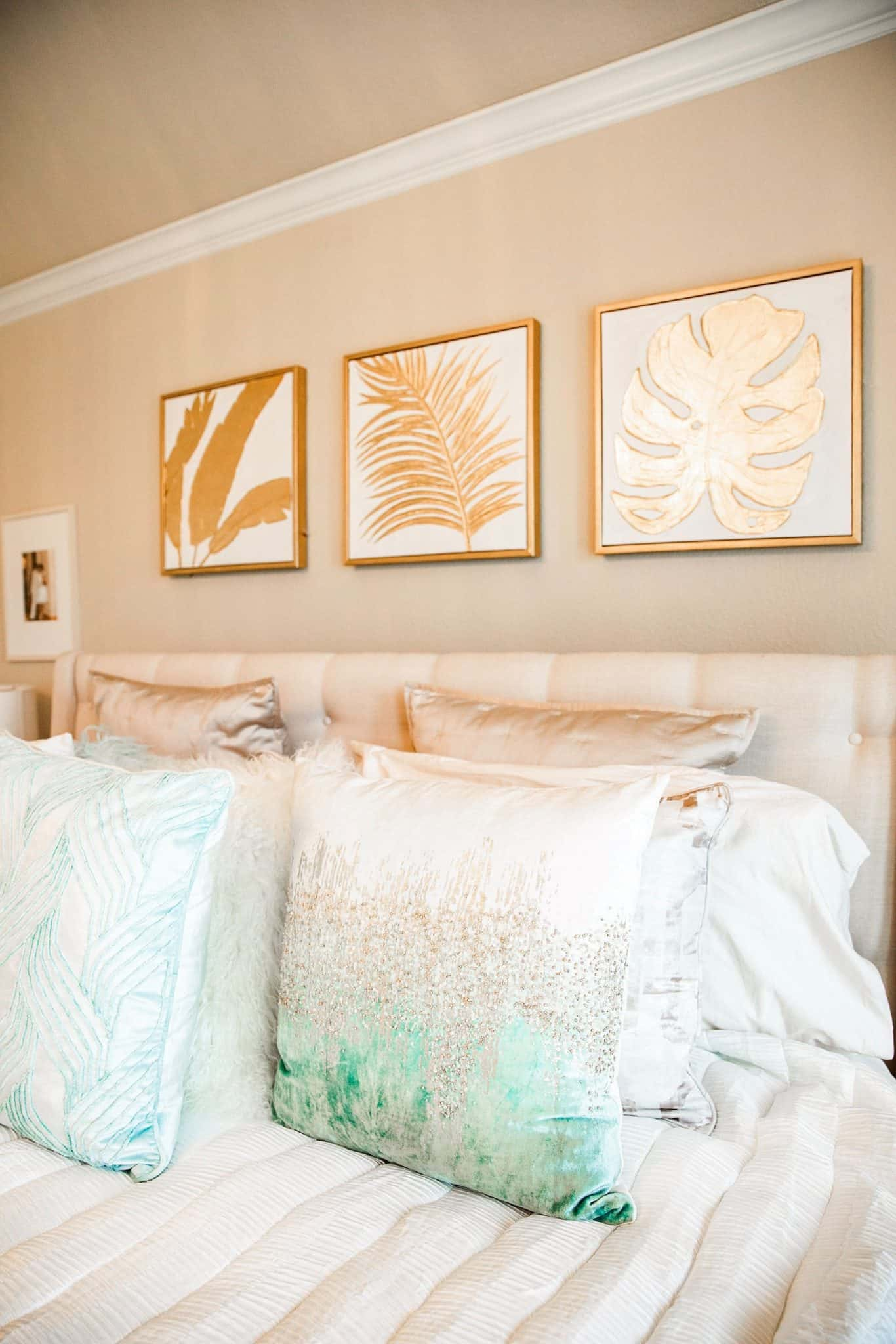 Coastal Glam Bedroom Ideas featured by top US lifestyle blog, Glamorous Versatility