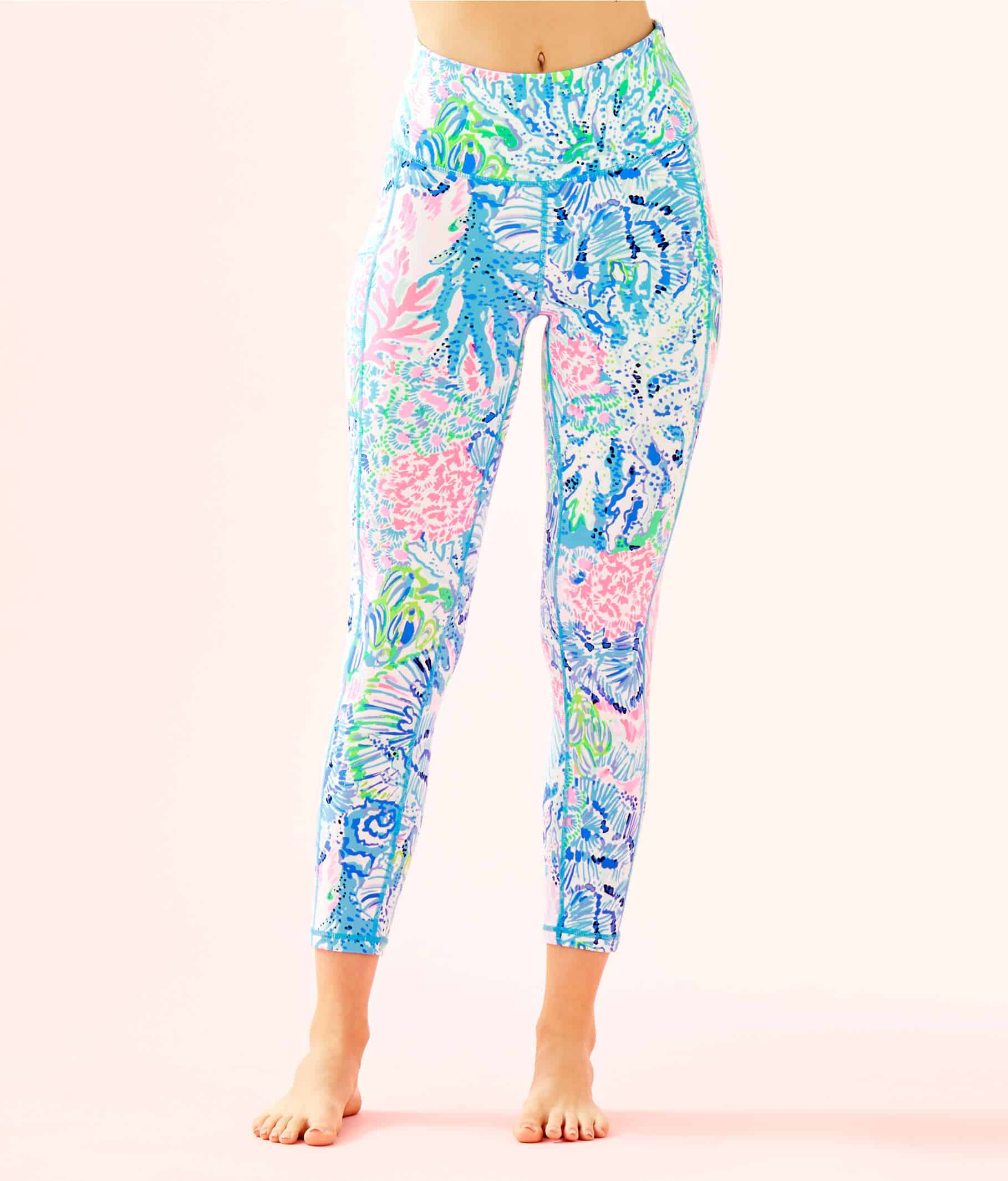 Lilly Pulitzer After Party Sale favorites featured by top US fashion blog, Glamorous Versatility: image of high rise weekender leggings