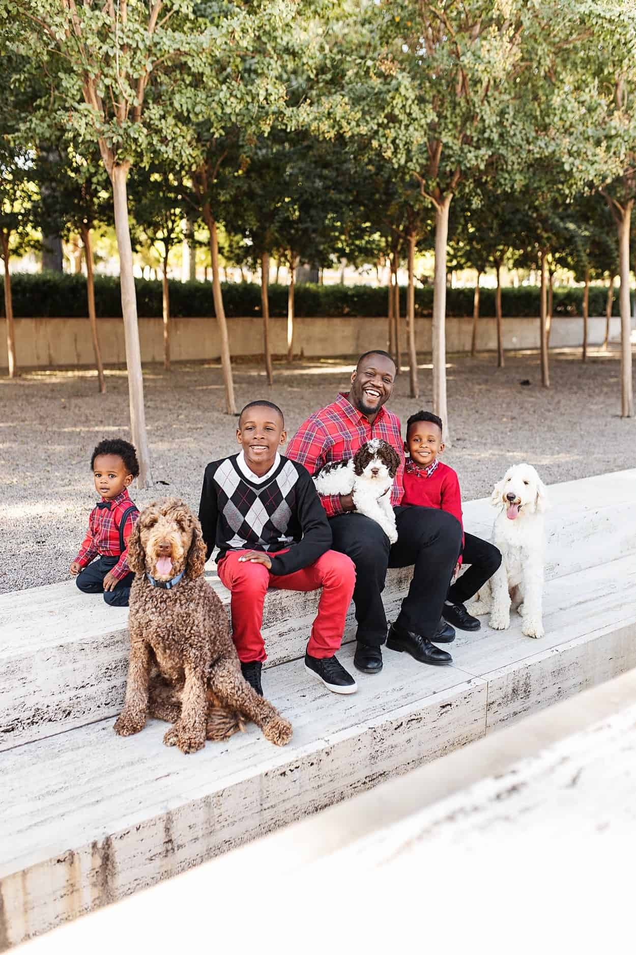 Essential Tips for Taking your Family Christmas Pictures featured by top US life and style blog, Glamorous Versatility